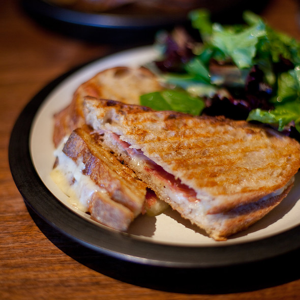 BEST SANDWICHES IN SAN FRAN MISSION CHEESE FWX