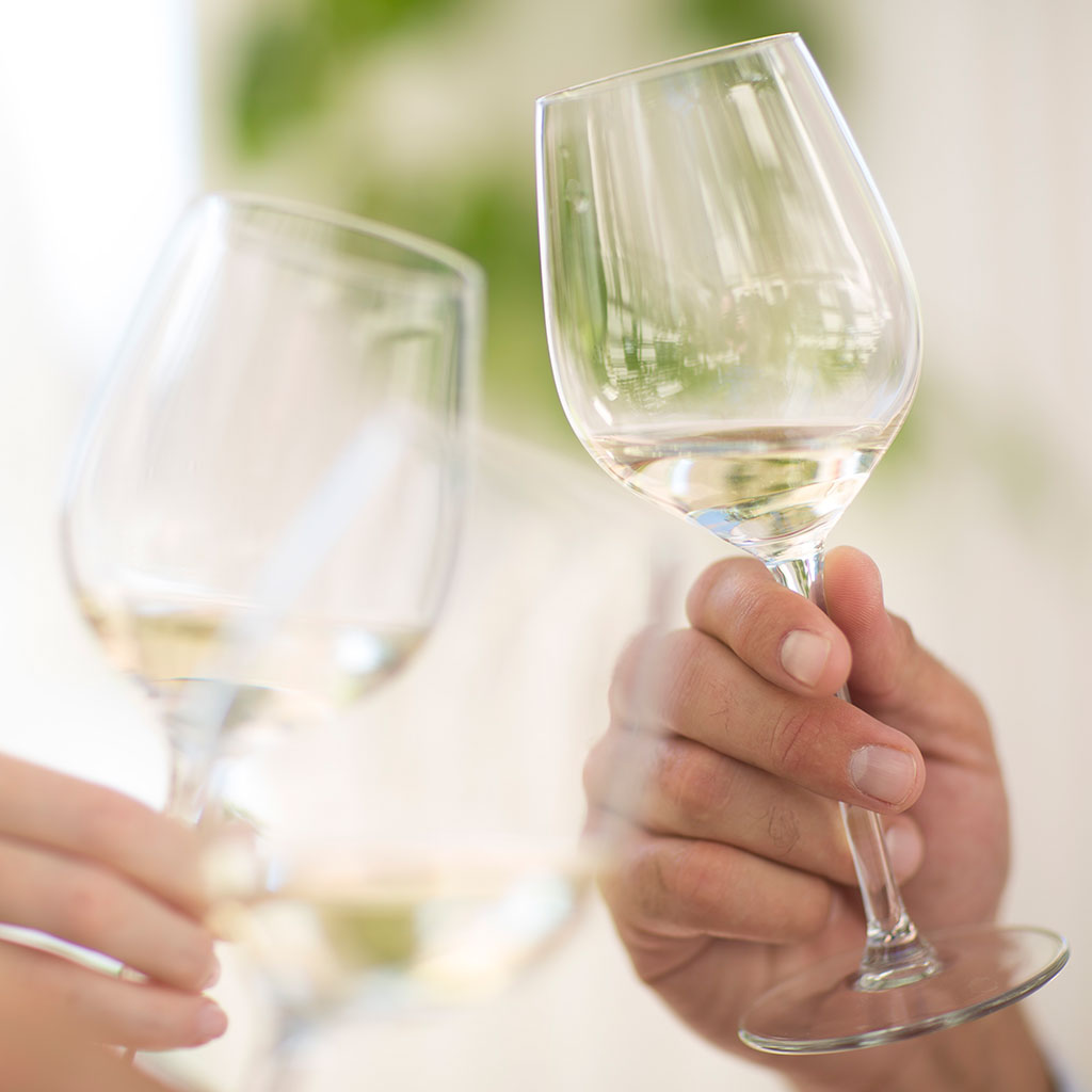 WHITE WINE VARIETALS YOU SHOULD KNOW FWX
