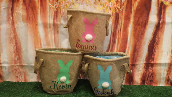 <p><b>Personalized Burlap Easter Basket</b></p>