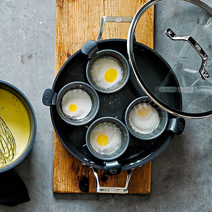 Nonstick egg poacher