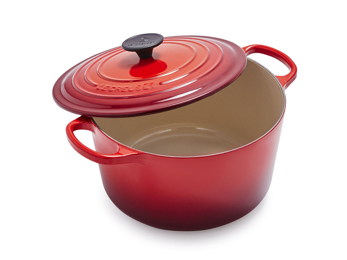 LE CREUSET SIGNATURE DEEP ROUND DUTCH OVEN