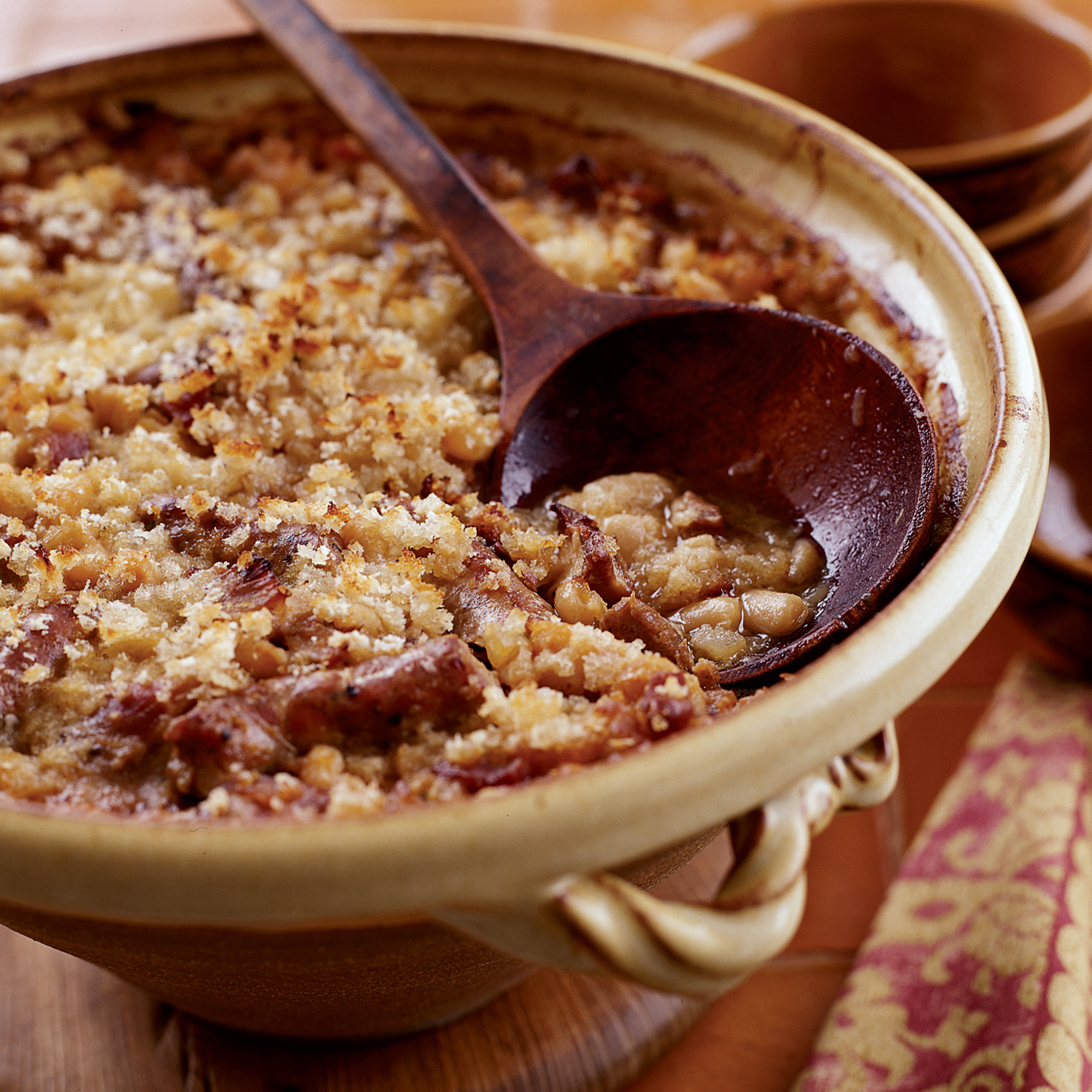 Toulouse style cassoulet recipe paula wolfert food wine - Cuisine easy toulouse ...