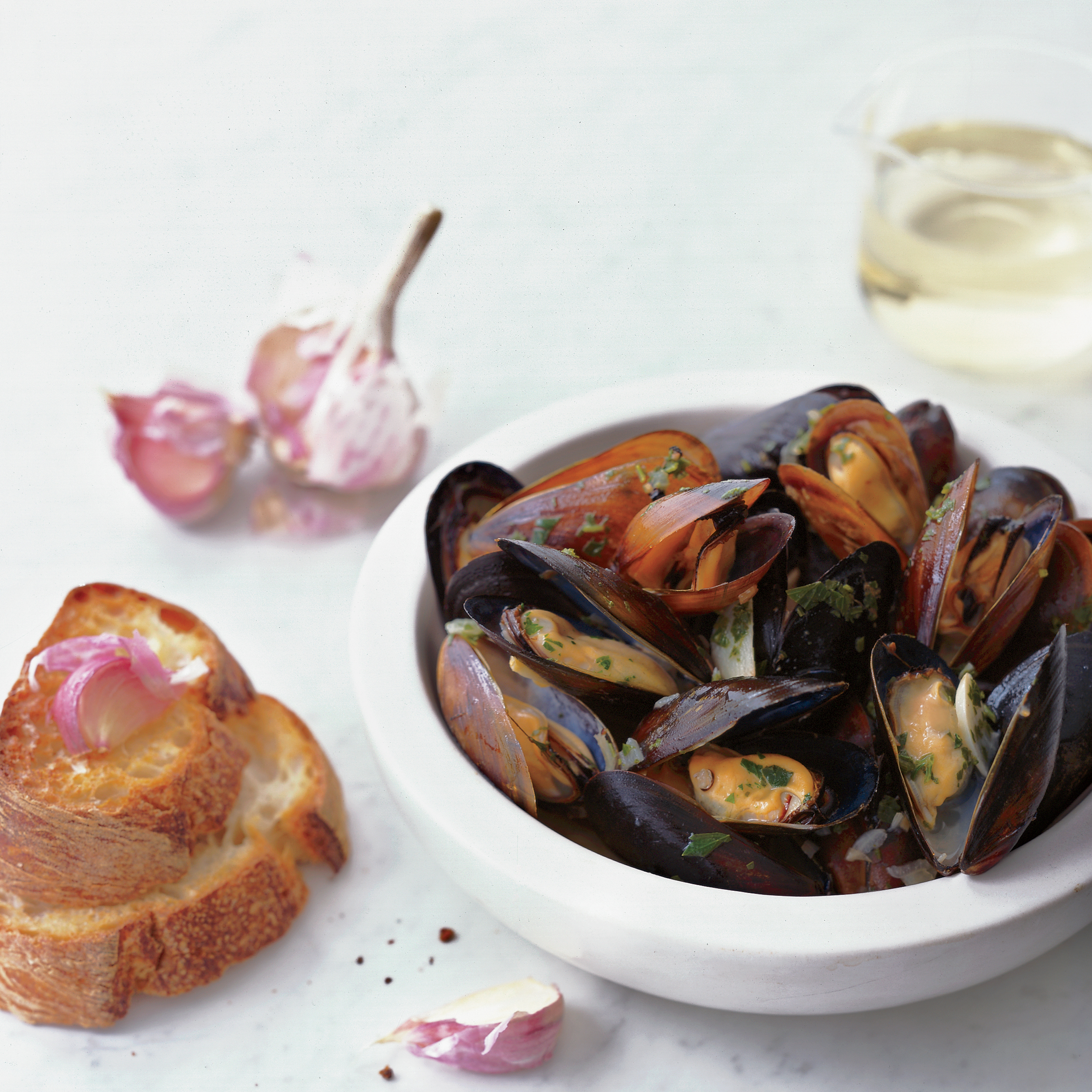 Sauvignon Blanc-Steamed Mussels with Garlic Toasts Recipe - Grace ...