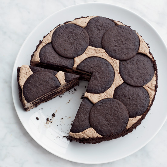 "The chocolate cookies soften as the cake chills overnight for a perfectly moist, ""cheater's"" cheesecake. // © Con Poulos"