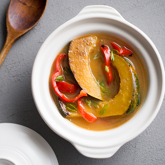 201311-r-miso-stewed-acorn-squash-with-bell-peppers.jpg
