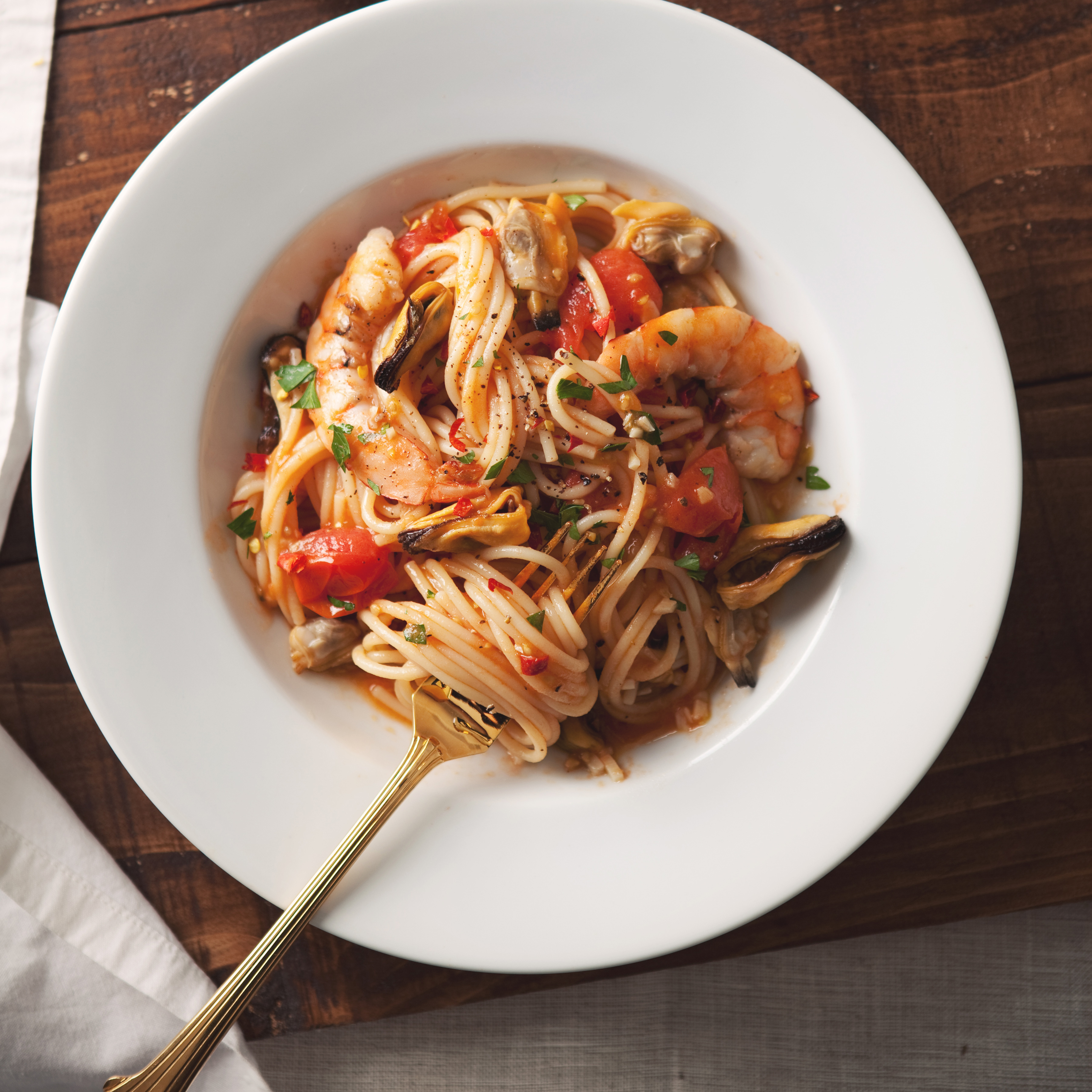 Spaghetti with Mussels, Clams and Shrimp Recipe - Marcia ...