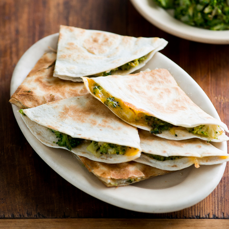 Easy Green Chile Quesadilla Recipe With Sprouted Corn ...