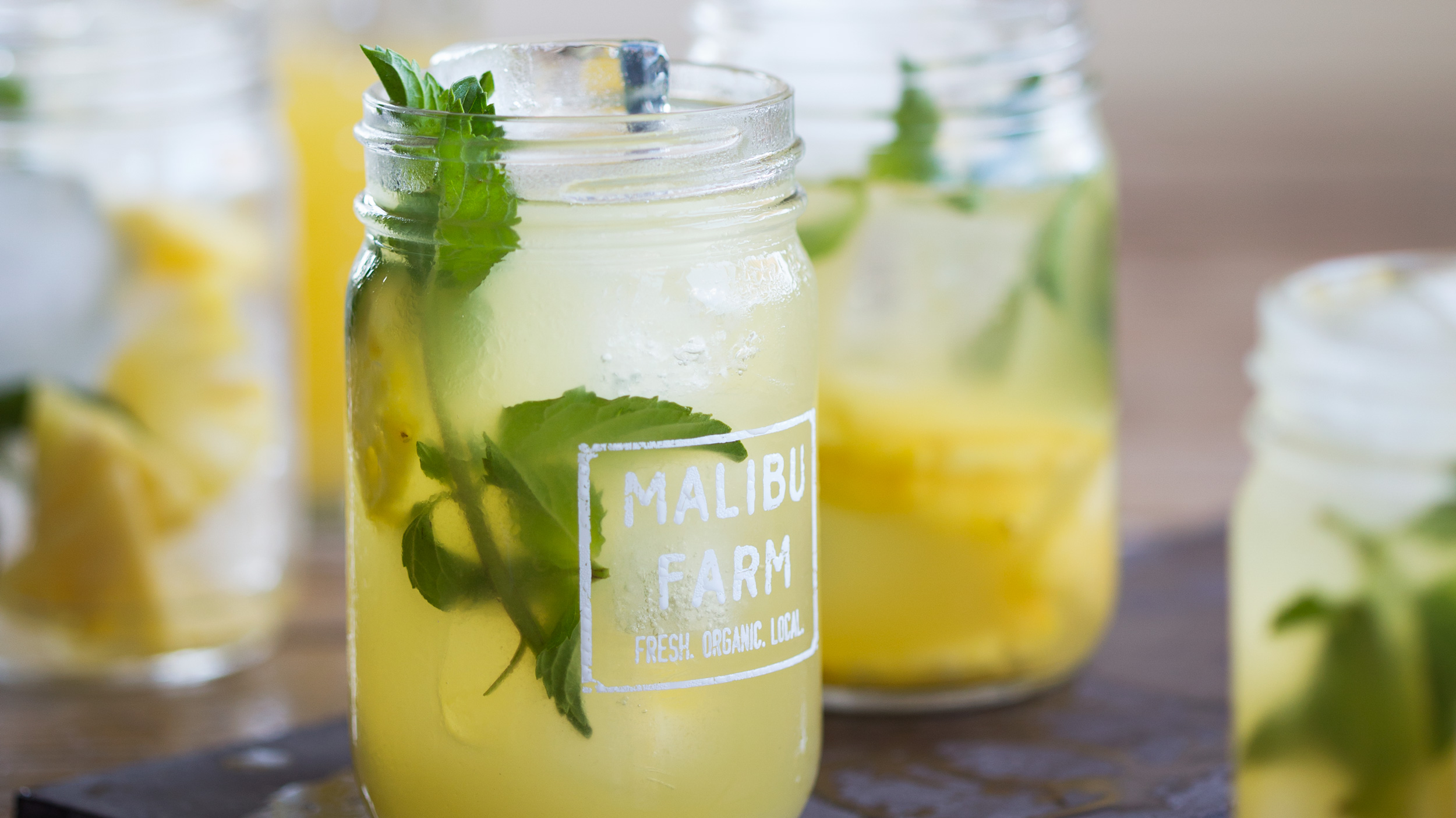 11 Best Pitcher Drinks for Memorial Day