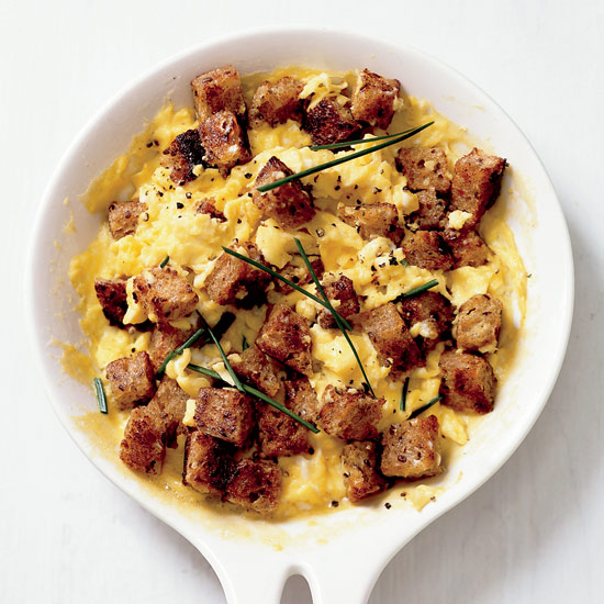 Scrambled Eggs with Herbed Croutons