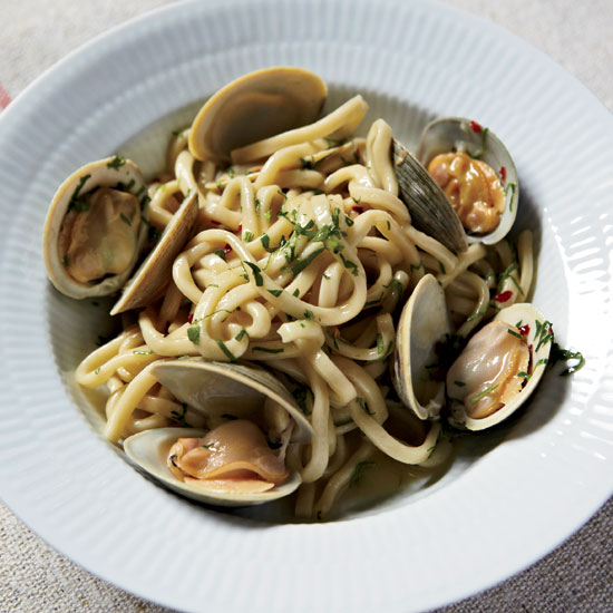 Clone of italian-HD-201002-r-spaghetti-clams-garlic.jpg