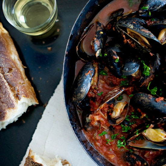 Steamed Mussels with Tomato-and-Garlic Broth