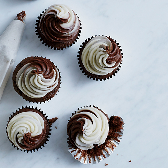 3 Methods for Stuffing Cupcakes
