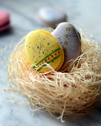 How-To: Easter Macarons