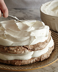 How to Make a Meringue Cake