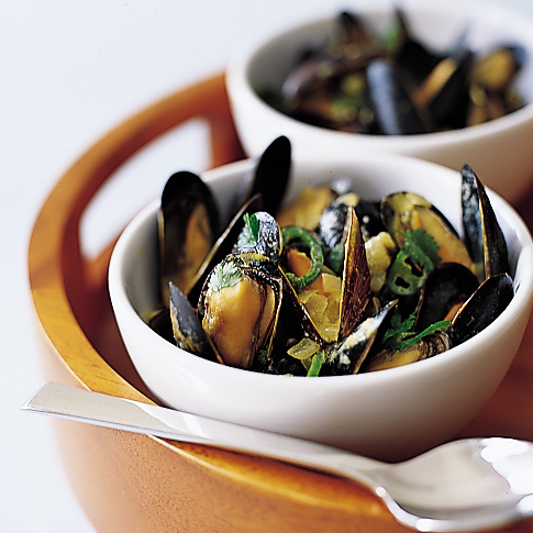 Coconut Curry Mussels ...