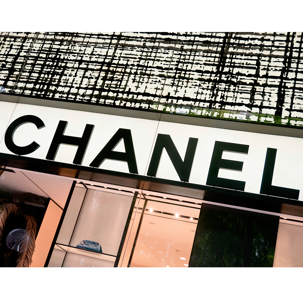 Karl Lagerfeld Builds a Chanel Brasserie to Unveil the Fall 2015 Collection at Paris Fashion Week