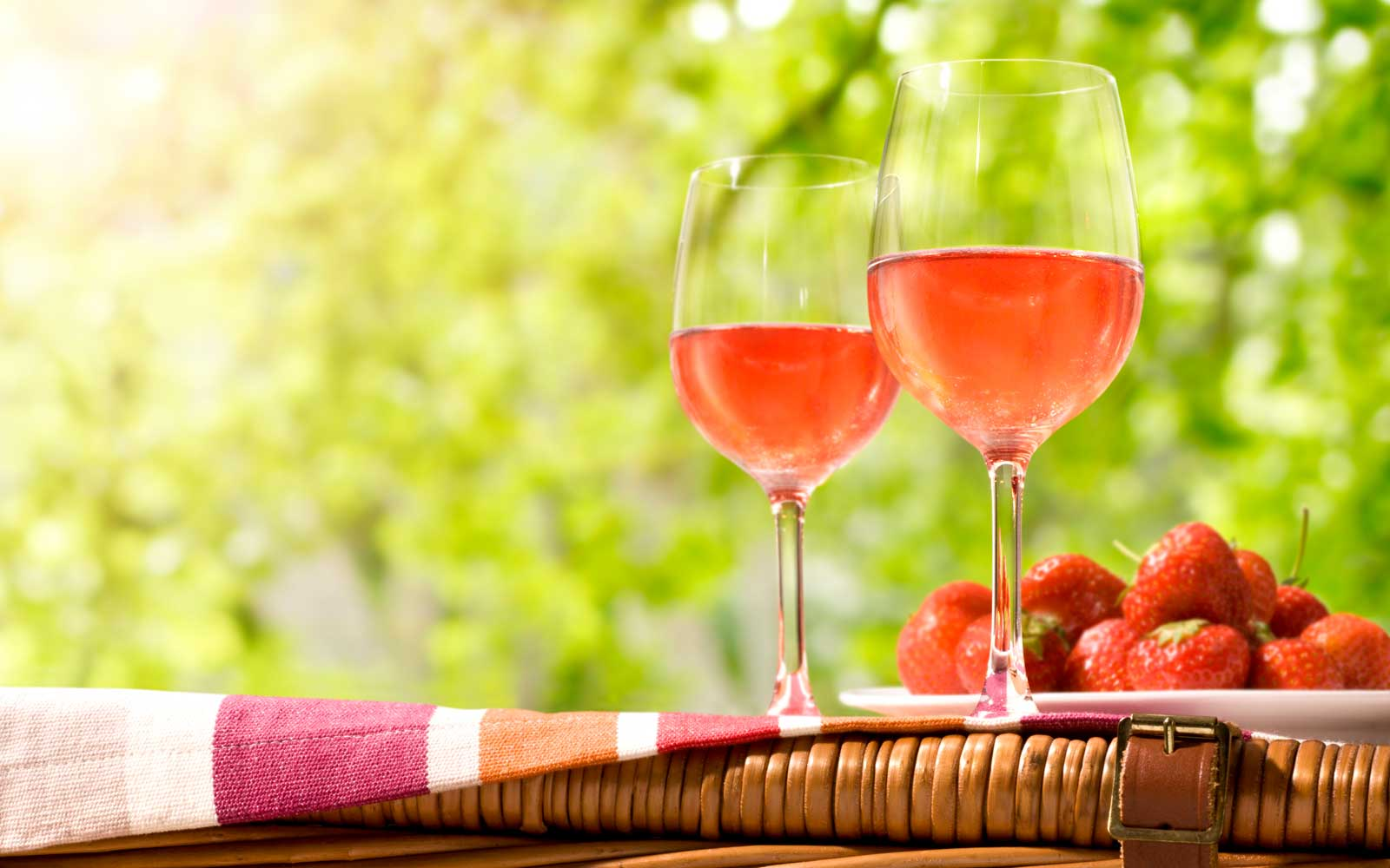 You Can Now Buy Rosé-flavored Strawberries and Raspberries