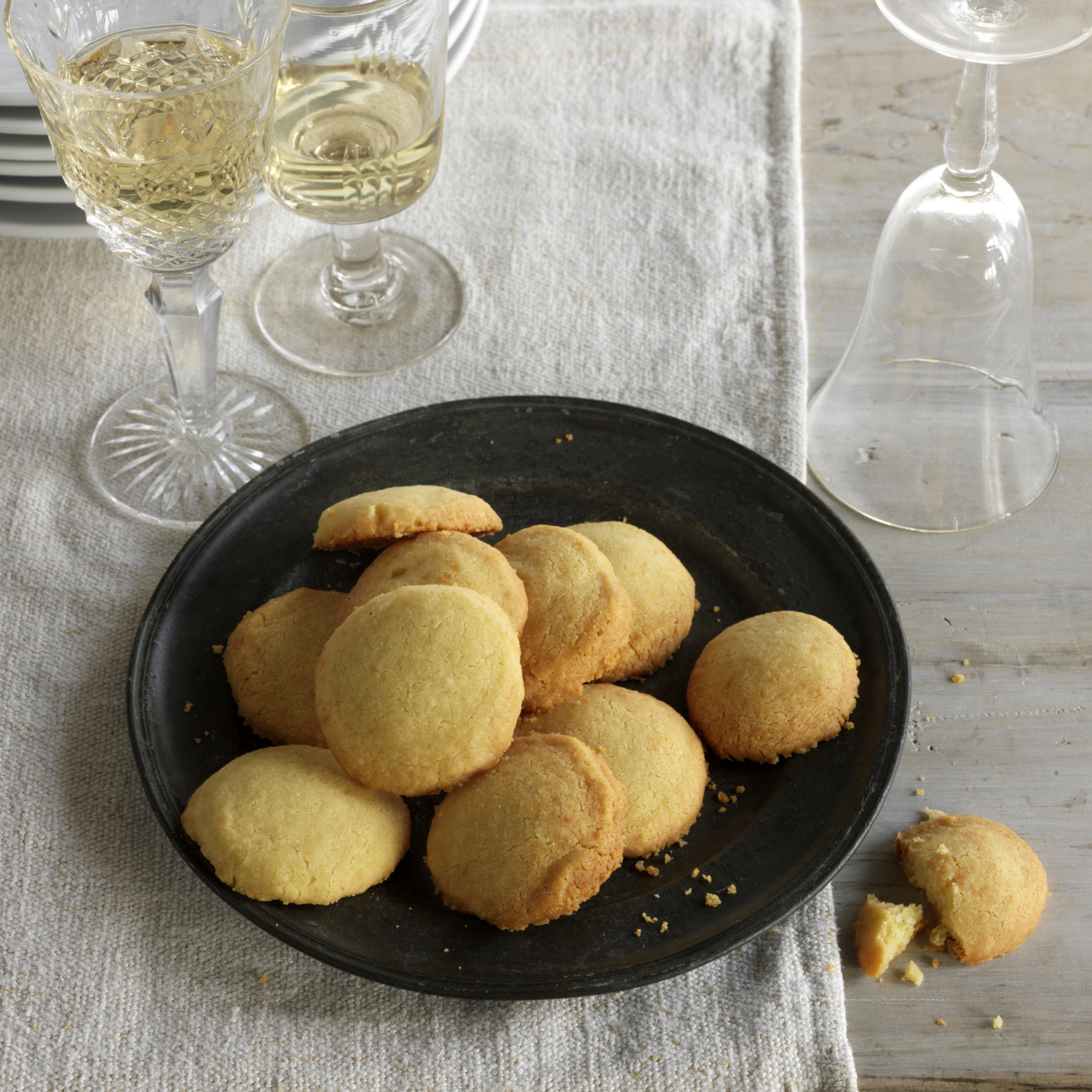 5 Wine Pairings for Your Holiday Cookies