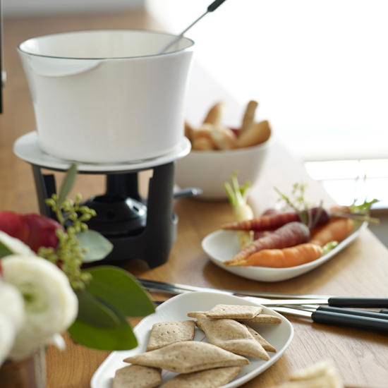 images-sys-200912-HD-whiskey-cheese-fondue.jpg