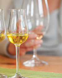 images-sys-201008-a-white-wine-drink-now.jpg