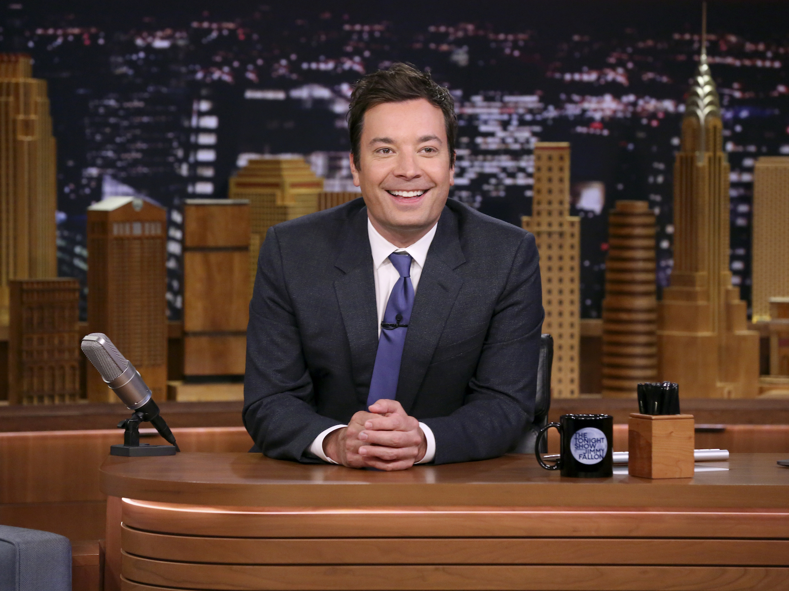 Jimmy Fallon Threw a Surprise Dinner Party With Karaoke and 'Salmon Cheesesteaks'