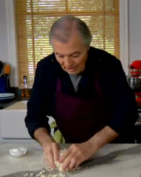 Jacques Pepin demonstrates how to prepare vegetables