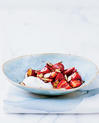 Spiced Strawberries with Yogurt