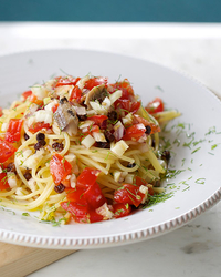 Pasta con le Sarde Fresca (Pasta with Fresh Tomatoes and Sardines)