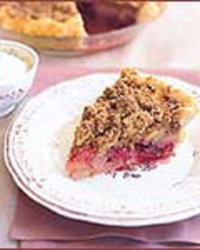 Pear-Cranberry Pie with Crumb Topping