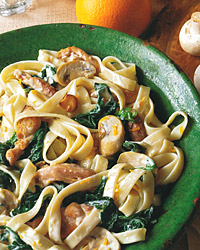 Fettuccine with Chicken, Spinach, and Creamy Orange Sauce