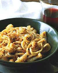 Linguine with Cauliflower, Garlic, and Bread Crumbs