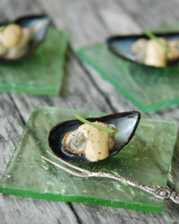 Steamed Mussels with Aioli (Mejillones)