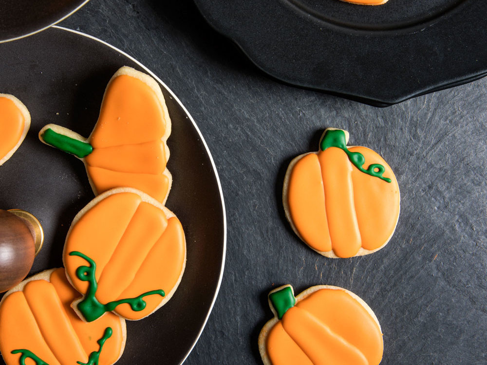 Forget Apple Pie—Bat and Pumpkin Cookies Are the Ultimate Fall Dessert