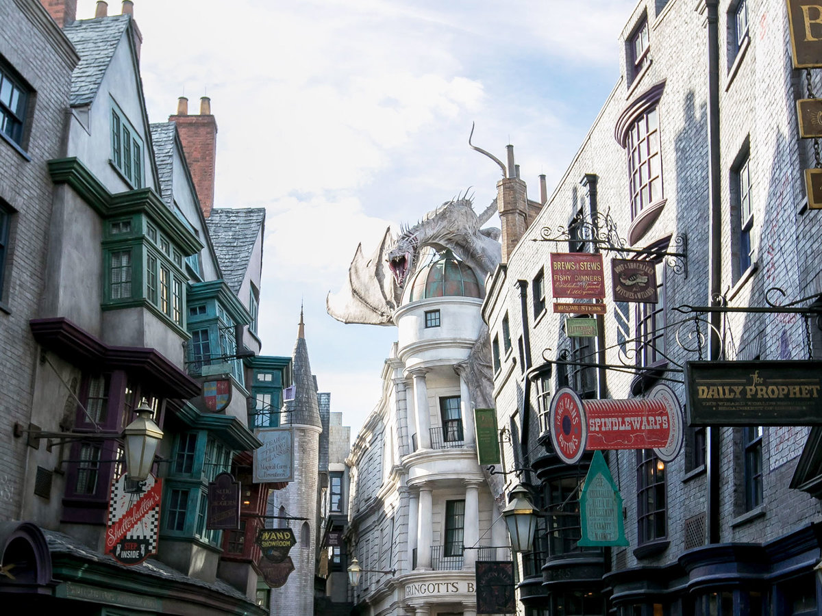 JK Rowling Shoots Down 'Harry Potter' Myth About Her College Town