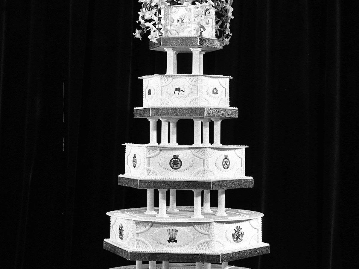 Diana Spencer and Charles wedding cake