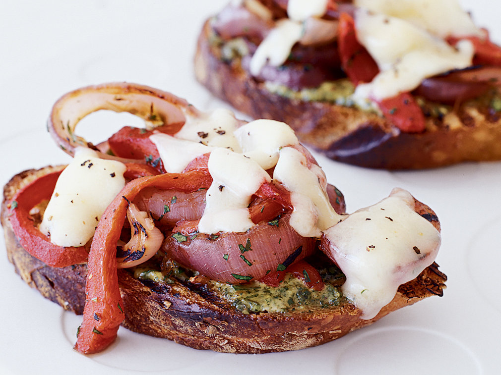 original-200310-r-grilled-cheddar-toasts-with-red-onions-and-peppers.jpg