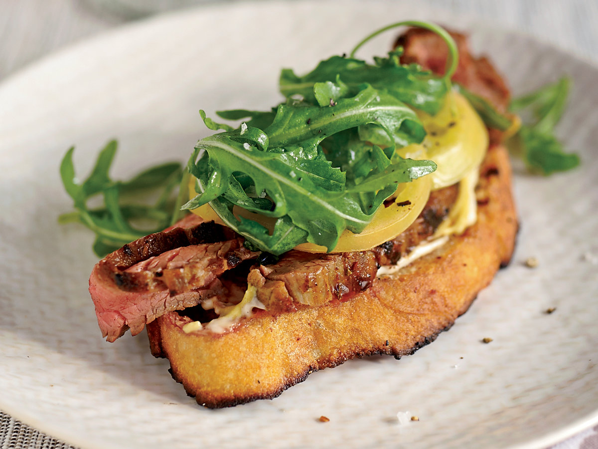 201107-r-Open-Faced-Steak-Sandwich-with-Pickled-Green-Tomatoes.jpg