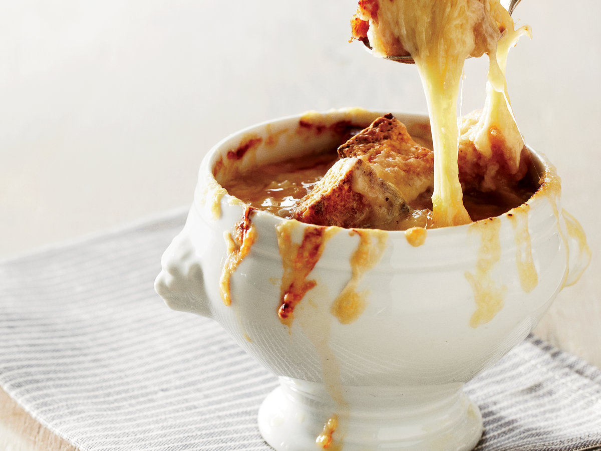 201110-r-french-canadian-onion-soup.jpg
