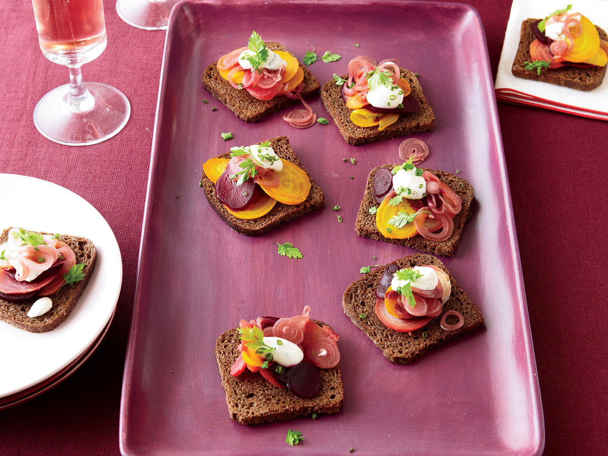 images-sys-201112-r-roasted-beet-toasts-with-horseradish-cream.jpg