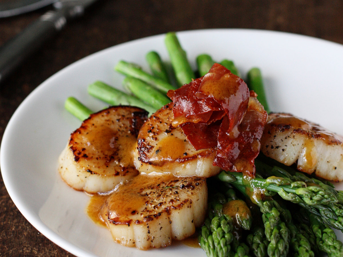 Asparagus with Scallops, Browned Butter and Prosciutto ...