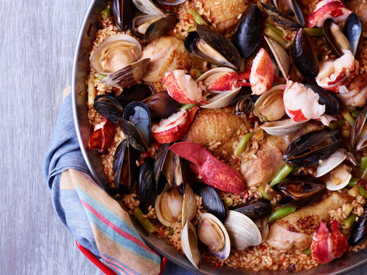 original-201206-r-chicken-and-seafood-paella.jpg