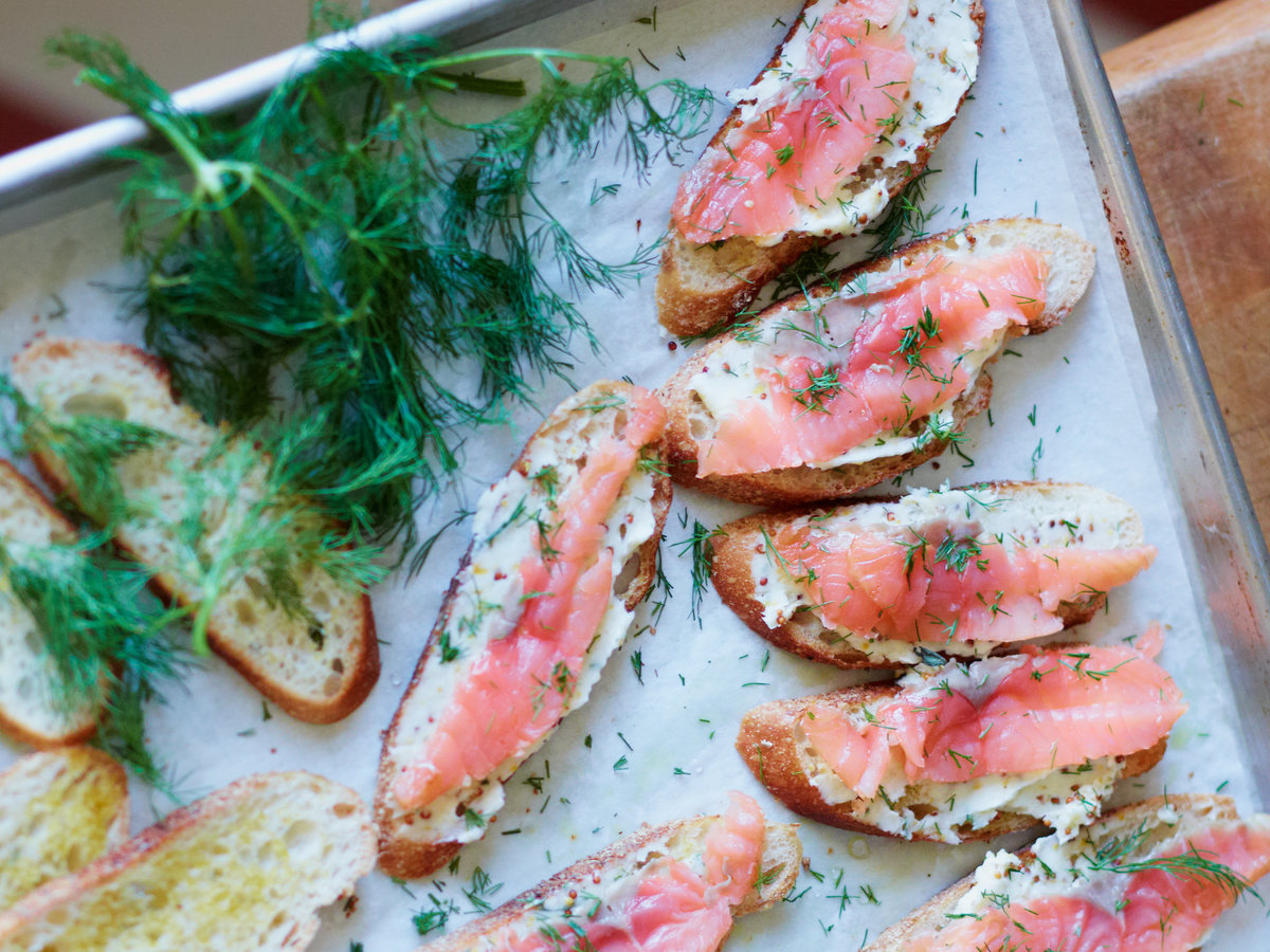 original-201211-r-smoked-salmon-toasts-with-mustard-butter.jpg