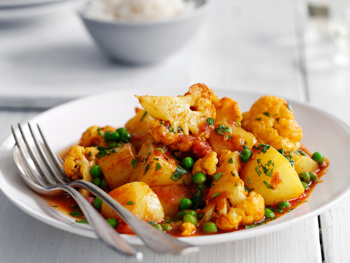 cauliflower potato and pea curry recipe quick from scratch herbs spices food wine. Black Bedroom Furniture Sets. Home Design Ideas
