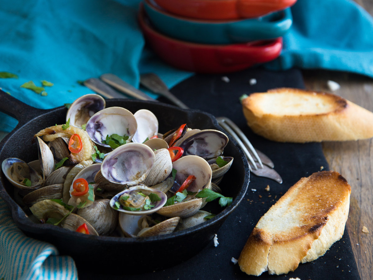 original-201307-r-roasted-fennel-and-fresh-chiles-with-clams.jpg