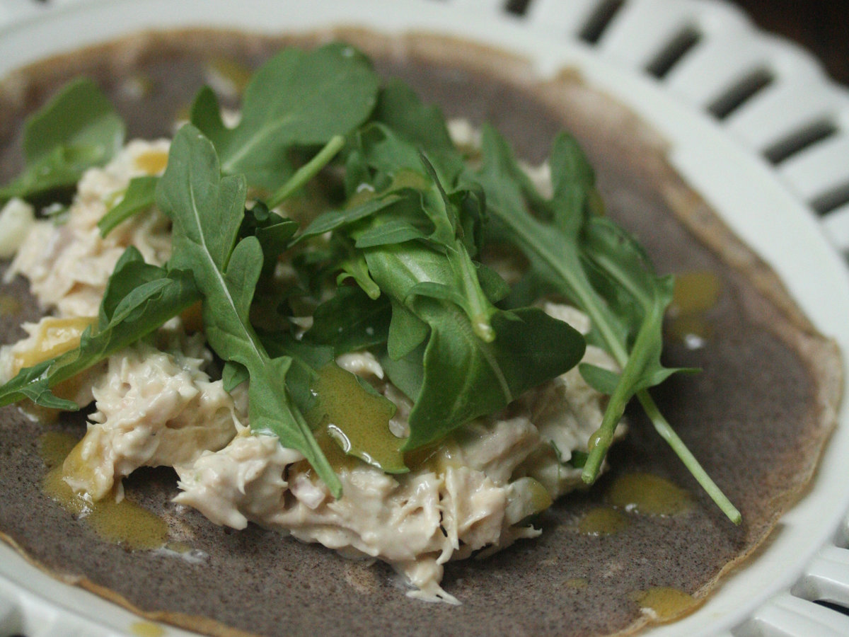 original-201310-r-open-faced-buckwheat-crepes-with-tuna-arugula-and-dijon-vinaigrette.jpg