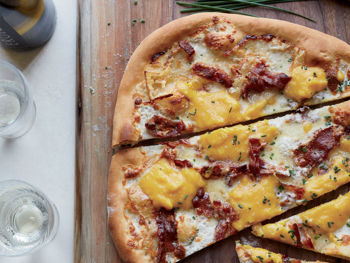 original-201310-r-bacon-and-egg-pizza.jpg