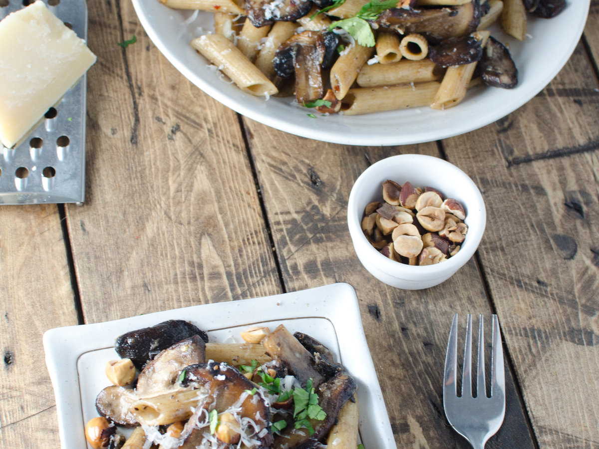 hd-201404-r-brown-butter-mushrooms-with-hazelnuts-and-whole-wheat-pasta.jpg