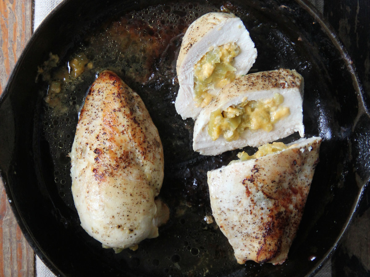 201405-r-cheddar-and-hatch-chile-stuffed-chicken-breasts.jpg