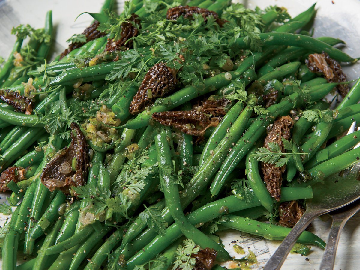saut ed haricots verts and morels with scallions recipe melia marden food wine. Black Bedroom Furniture Sets. Home Design Ideas