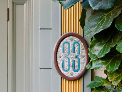 FWX PARTNER POST TL DISNEYLAND CLUB33 DOOR